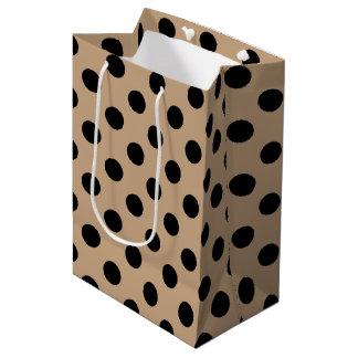 ベージュ色の黒い水玉模様 ミディアムペーパーバッグ