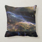 ベールの星雲の覆いを取ること クッション