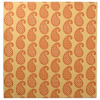 ペイズリーパターン、マンダリンおよびパステル調のオレンジ ナプキンクロス