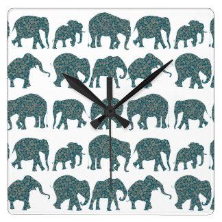 ペイズリー象、白くカスタムな柱時計の列 スクエア壁時計