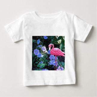 ペチュニアのベッドのフラミンゴ ベビーTシャツ