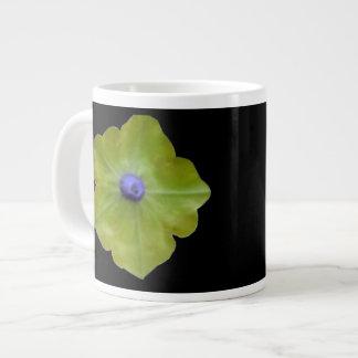 ペチュニアの緑および青のマグ ジャンボコーヒーマグカップ
