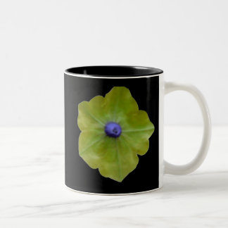 ペチュニアの緑および青のマグ ツートーンマグカップ
