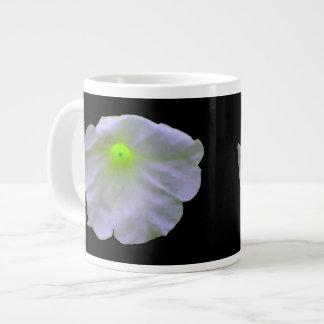ペチュニアの緑の白熱マグ ジャンボコーヒーマグカップ