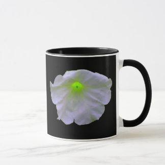 ペチュニアの緑の白熱マグ マグカップ