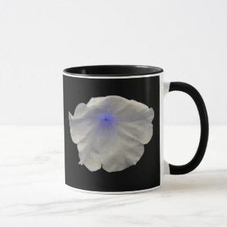 ペチュニアの青い白熱マグ マグカップ