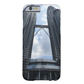 ペトロナスのツインタワー BARELY THERE iPhone 6 ケース