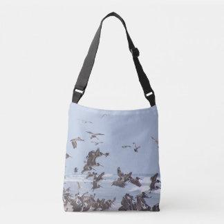 ペリカンの鳥の野性生物動物のビーチのバッグ クロスボディバッグ