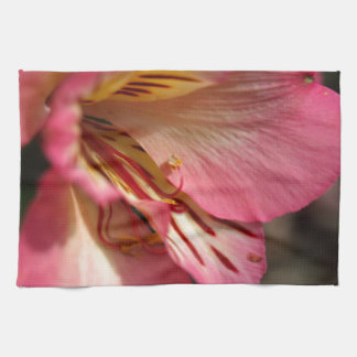 ペルーユリ(アルストロメリア属のaurea) キッチンタオル