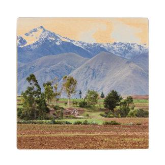 ペルー、Maras。 神聖な谷の上の景色 ウッドコースター