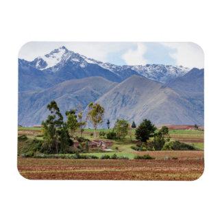 ペルー、Maras。 神聖な谷の上の景色 マグネット