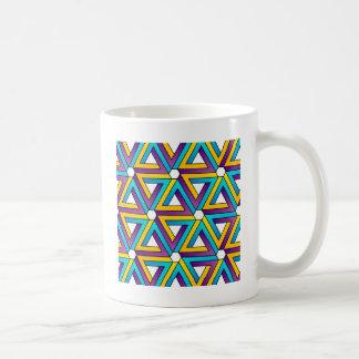 ペンのばら色の三角形が付いているグラフィック コーヒーマグカップ