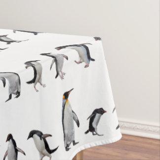 ペンギンのパーティーのテーブルクロス(色を選んで下さい) テーブルクロス