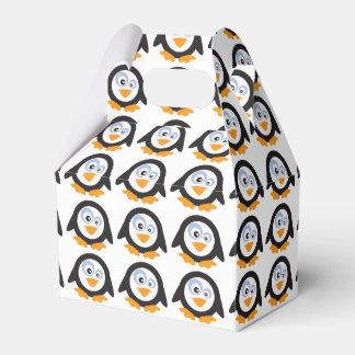 ペンギンの切り妻箱のクリスマスの円 フェイバーボックス