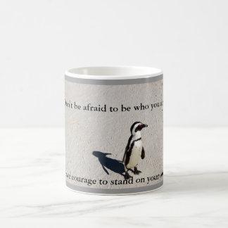 ペンギンの勇気のコーヒー・マグ ベーシックホワイトマグカップ