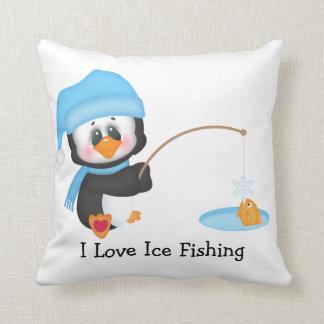 ペンギンの氷の魚釣り クッション