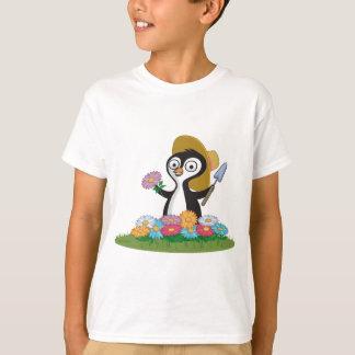 ペンギンの花の庭師 Tシャツ