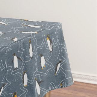 ペンギンパターン-クリスマスのギフト テーブルクロス