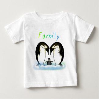 ペンギン家族の男の子のワイシャツ ベビーTシャツ