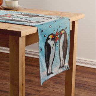 ペンギン愛クリスマスまたは冬のテーブルのランナー ショートテーブルランナー