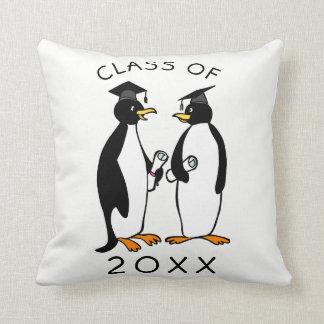 ペンギン|のカスタムな卒業の記念品B&Wのクラス クッション