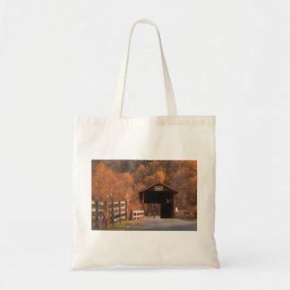 ペンシルバニアの屋根付橋 トートバッグ