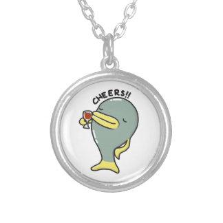 ペンダントが付いている応援の魚のネックレス シルバープレートネックレス