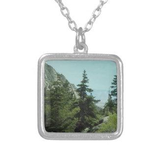 ホイットニー山の道の眺めのネックレス#5 シルバープレートネックレス