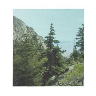 ホイットニー山の道の眺めのメモPad#5 ノートパッド