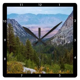 ホイットニー山の道の眺め#2: 見事な眺めの時計B スクエア壁時計