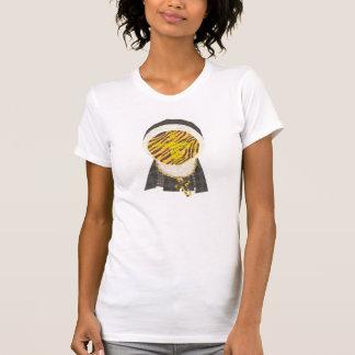 ホットクロスバンの尼僧背景の女性無しのTシャツ Tシャツ