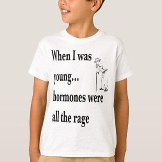ホルモンはすべての激怒でした Tシャツ