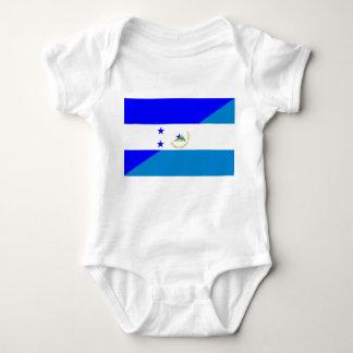 ホンジュラスニカラグアの国の半分の旗 ベビーボディスーツ