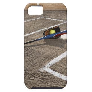 ホームベースのソフトボール、ソフトボールの手袋およびこうもり iPhone SE/5/5s ケース