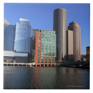 ボストン港およびスカイライン。  ボストンは4の1つです タイル