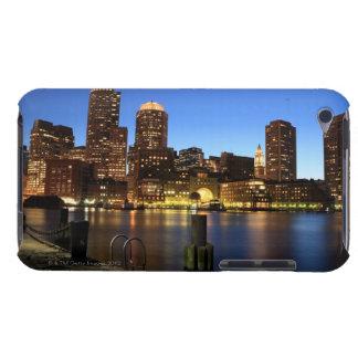 ボストン港およびスカイライン。  ボストンは7の1つです Case-Mate iPod TOUCH ケース