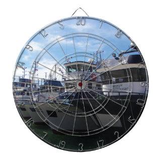 ボスポラス海峡の漁船 ダーツボード