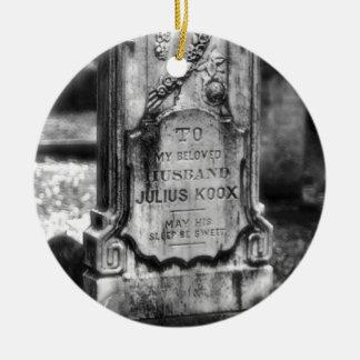 ボナヴェントゥラの墓地のサバンナ、GA セラミックオーナメント