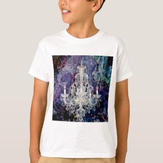 ボヘミアのぼろぼろのシックな紫色の水彩画のシャンデリア Tシャツ