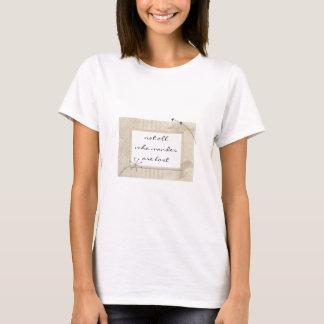 ボヘミアの種族の銀製の羽さまようすべて Tシャツ