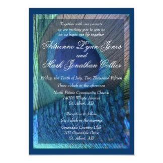 ボーダーを持つ孔雀の羽の招待状 カード