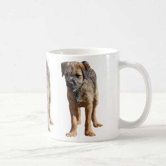 ボーダーテリアの小犬のマグ、現在のアイディア コーヒーマグカップ
