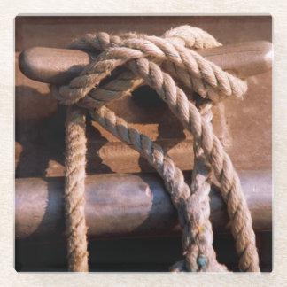 ボートのタイに結ばれるロープ ガラスコースター