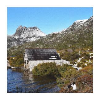 ボートの小屋の揺りかご山タスマニアオーストラリア キャンバスプリント