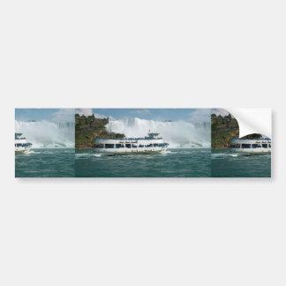 ボートの帆オンタリオ湖ナイアガラ川Fallsviewのおもしろい バンパーステッカー