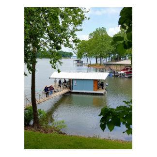ボートハウスへの夏道の不精な日 ポストカード