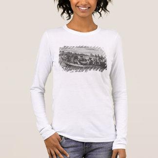ボート、イラストレーションで食事する豊かなマンダリン 長袖Tシャツ