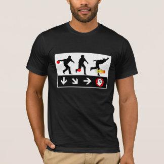 ボーリングの火球の投球の賭博のTシャツ Tシャツ