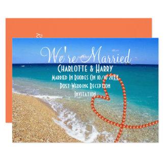 ポストの結婚披露宴のパーティーの明るいビーチ場面 カード