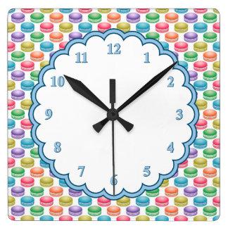 ポップアートのクッキーのカラフルのマカロン スクエア壁時計